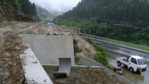 建設予定地の北側重力擁壁