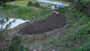 #3の畑に表土が埋め尽くされた