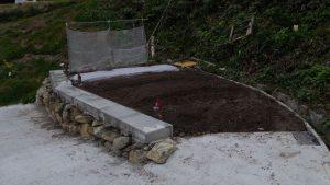 ハネギ、エンドウ豆、ほうれん草を蒔いたが、手前には3列耕して野菜の準備ができた